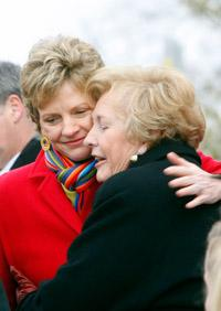 Mo. Secretary of State Robin Carnahan hugs her mother, former U.S. Senator Jean Carnahan, on Jan. 12, 2009.