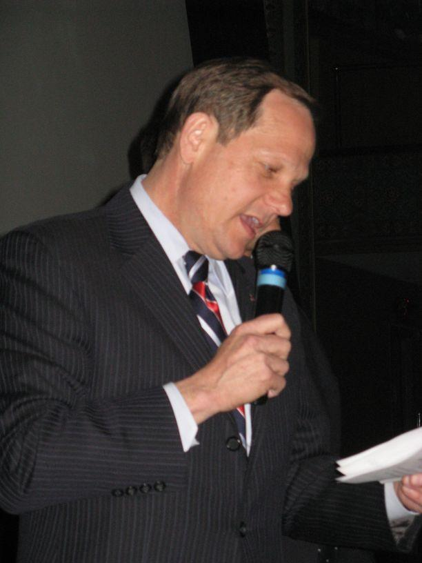 Mayor Francis Slay thanks supporters at the Moolah Theatre after winning a third term