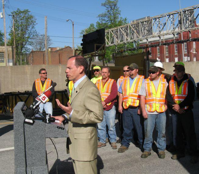 MoDOT district engineer Ed Hassinger with MoDOT employees who have been involved in workzone crashes