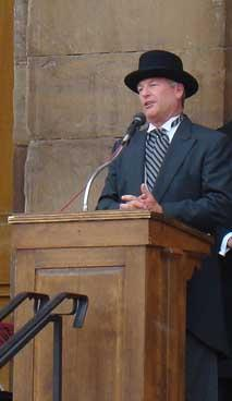 Springfield, Ill. mayor Tim Davlin speaking at the Capital City Bicentennial Celebration in 2009. Davlin was found dead in his home today.