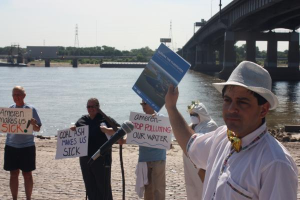 """Residents of Saint Louis, Franklin County and Jefferson County staged a """"Miss and Mr. Toxic Water Pollution"""" pageant on the banks of the Mississippi River on Tuesday to draw attention to the issue of water contamination from Missouri's coal-fired power plants."""