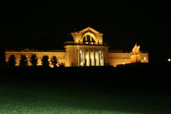 Night view of art museum (2008)
