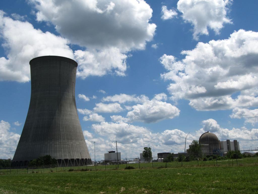 The resources and the environmental risk of the nuclear power plant