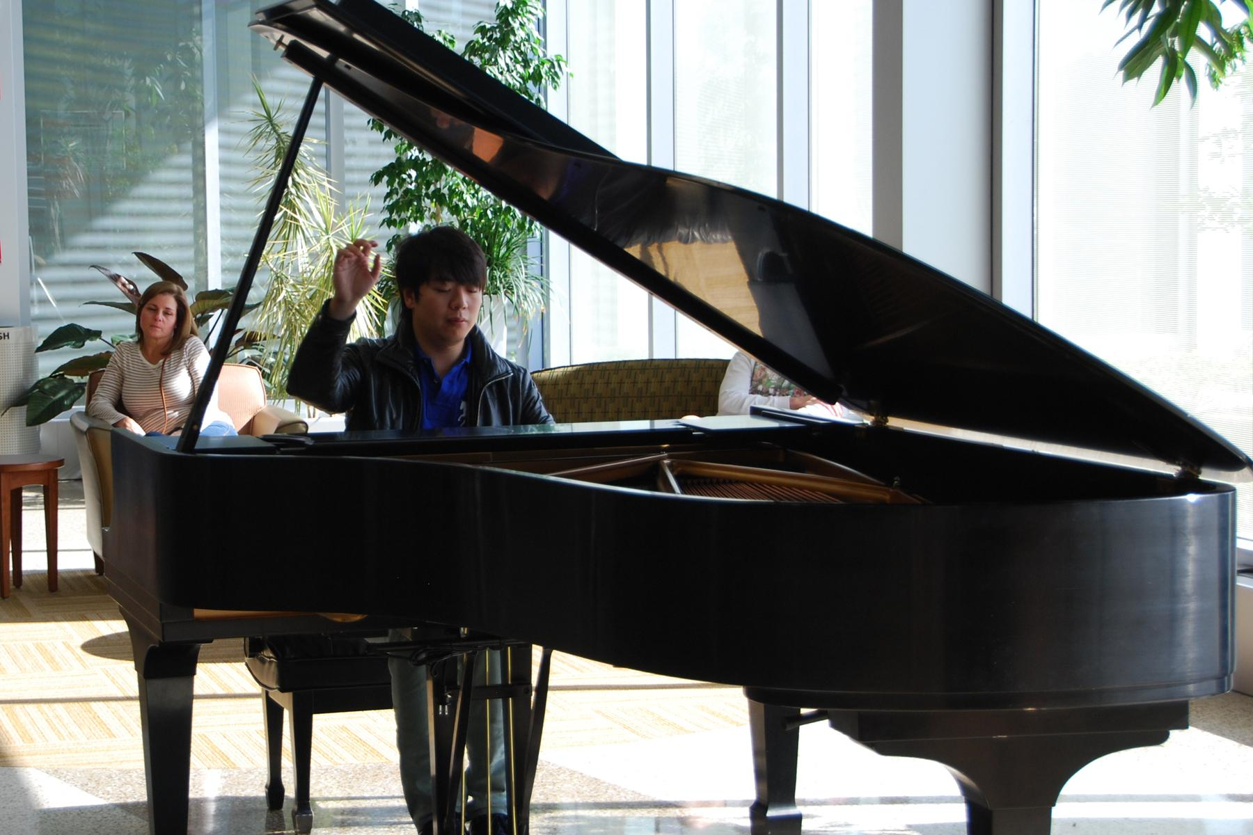 Concert Pianist Inspires Through Music At Hospital ...