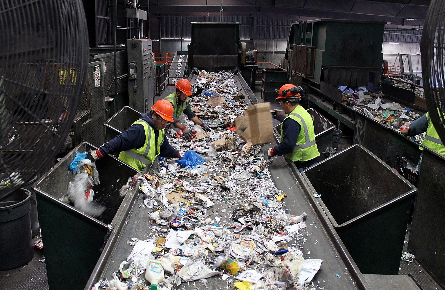 Does single stream recycling really work yes and no st What is trash compactor and how does it work