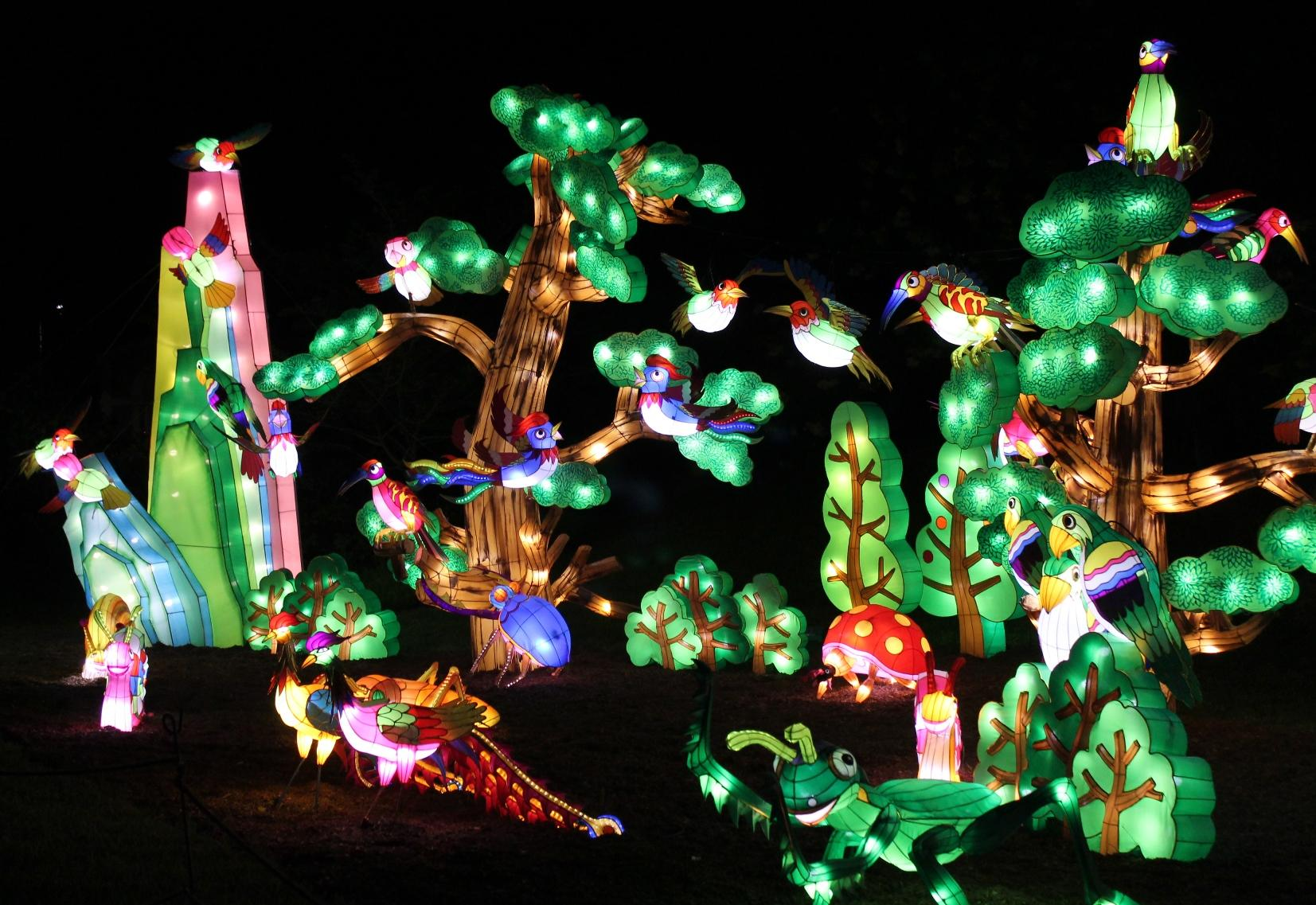 Photos chinese lantern festival sells out in return to st Missouri botanical garden lantern festival