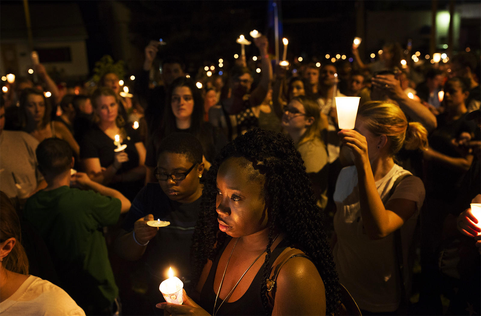 St. Louis holds vigil for those killed in Orlando mass shooting   St ...