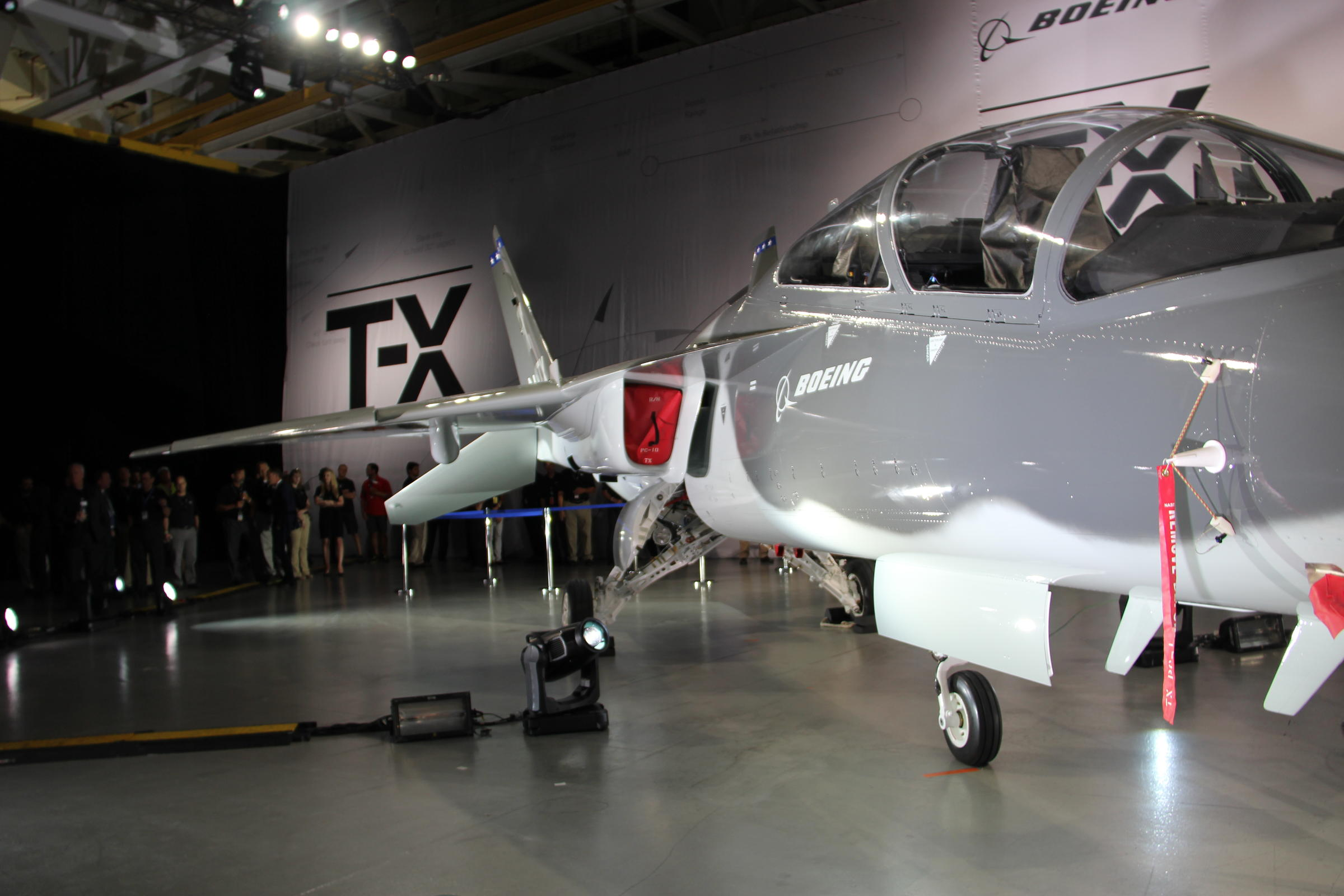 Boeing's fighter jet future hinges on trainer for 2020s aces