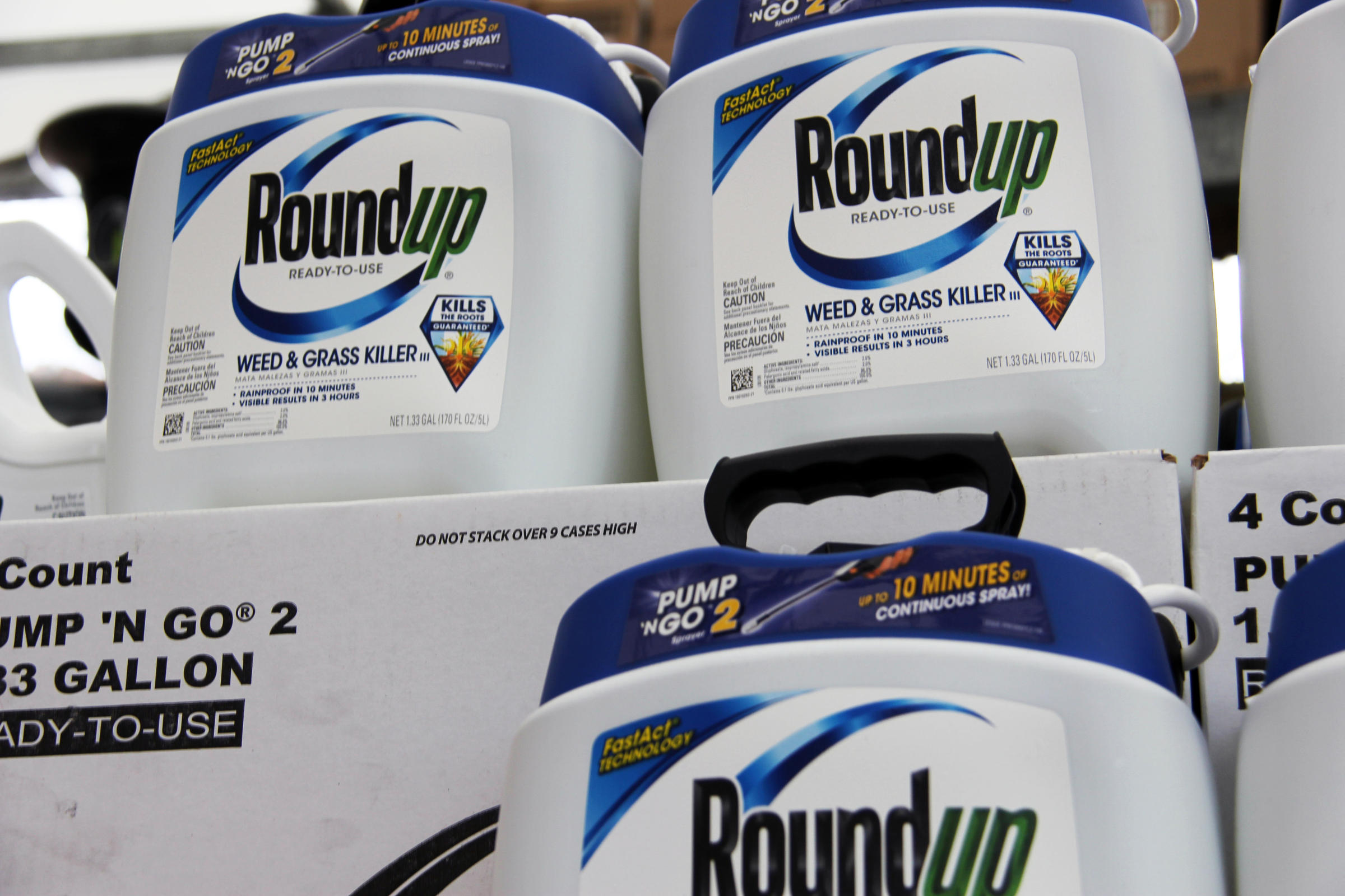 More Farmers Claim That Monsanto S Leading Weed Killer
