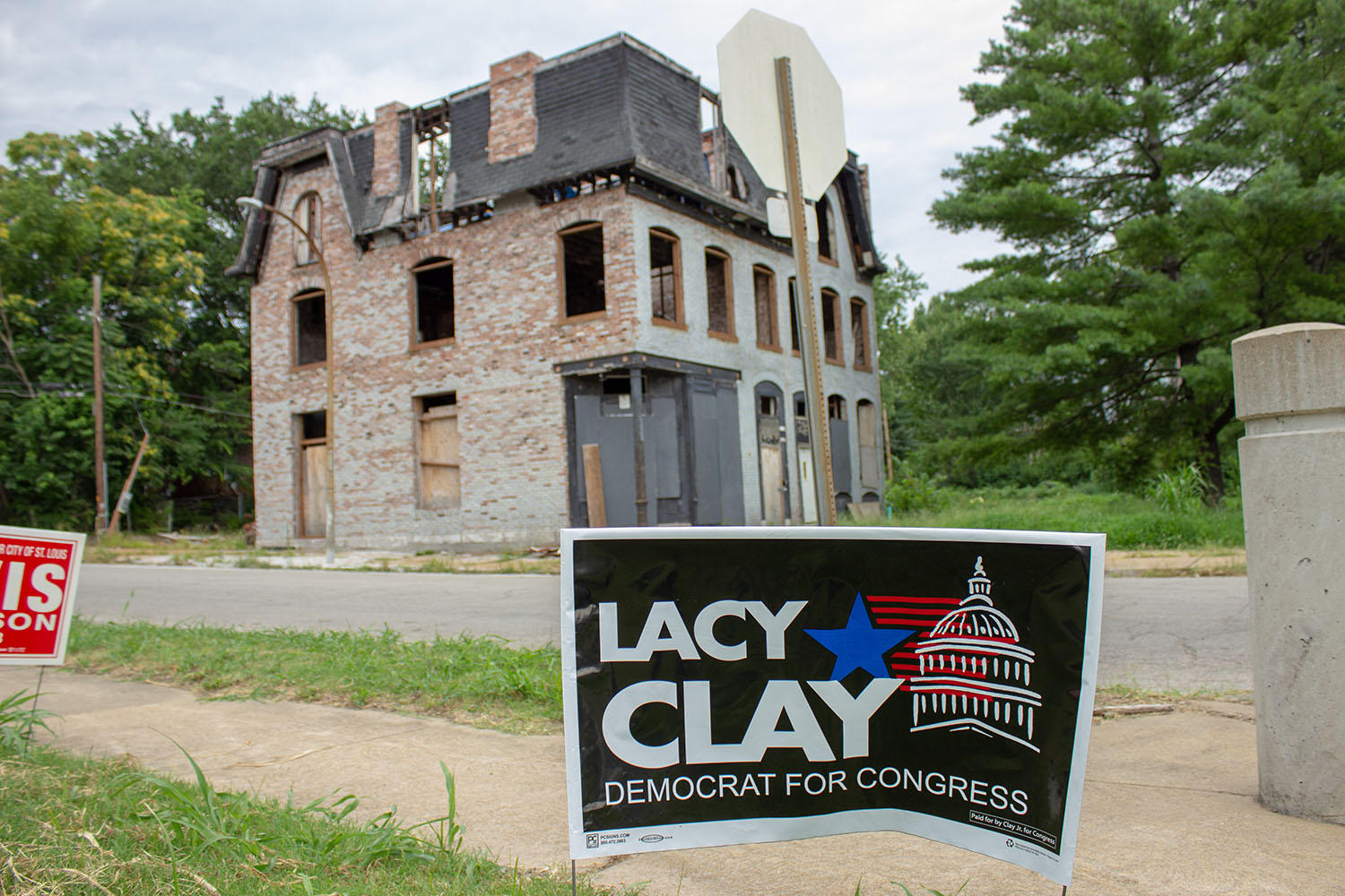 new style 783e1 9a615 Signs supporting Lacy Clay in the Hyde Park neighborhood.