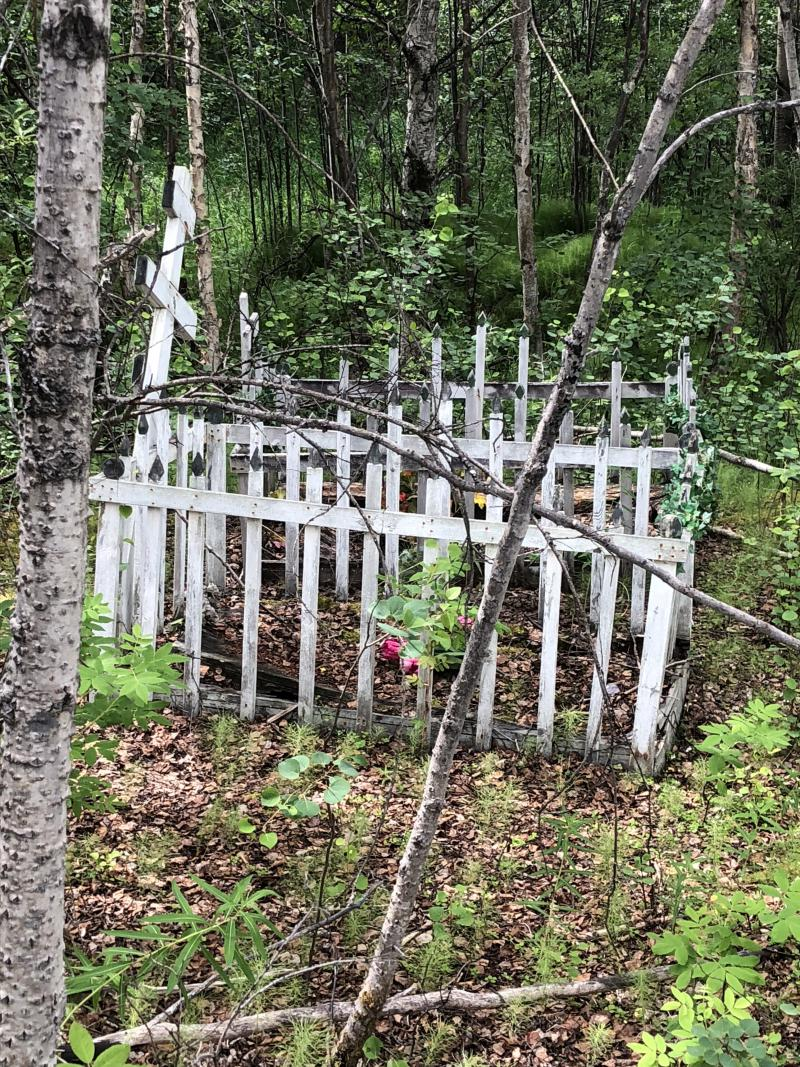 Unknown graves at Little Mountin Grave Site.