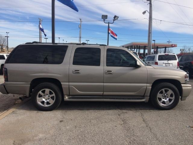 Vehicle Similar to Hart Family 2003 GMC Yukon