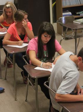 photo of Students in class at Waterford Mott High School.