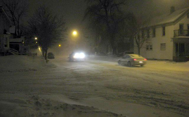 Wind and blowing snow in Grand Rapids at 10:30 p.m.