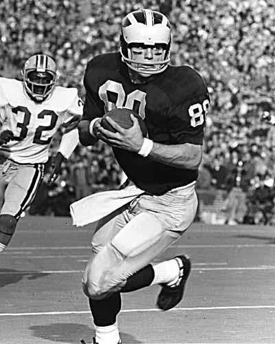 Jim Mandich carries the ball during the Woverine's upset of the no. 1 ranked Ohio State Buckeyes in 1969.