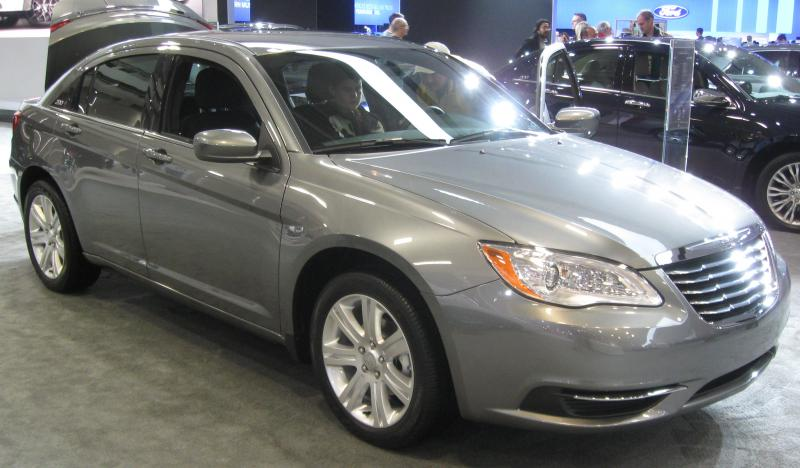 "The Chrysler 200 helped lead the ""best month for Chrysler Group mid-size sedans since March 2008."""