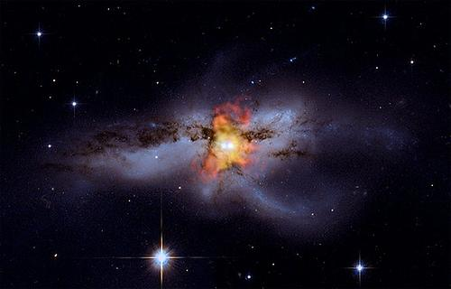 A composite picture of two black holes merging from 2009