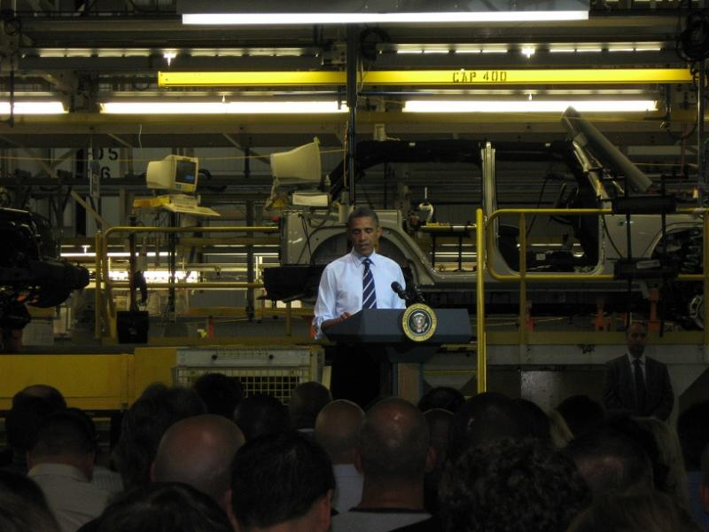 Pres. Barack Obama addresses auto workers at a Chrysler assembly plant in Toledo, Ohio