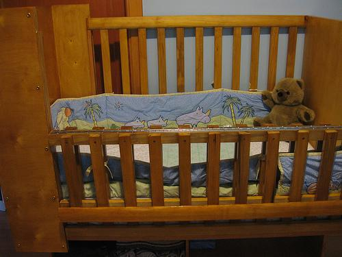 The ban on the sale and manufacture of drop-side cribs starts today.