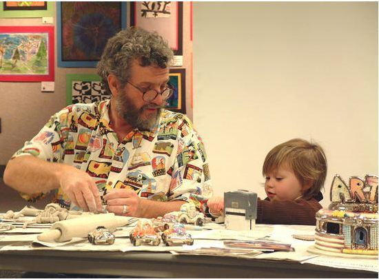 Jerry Berta teaching art at the Ann Arbor Public Library in 2002.
