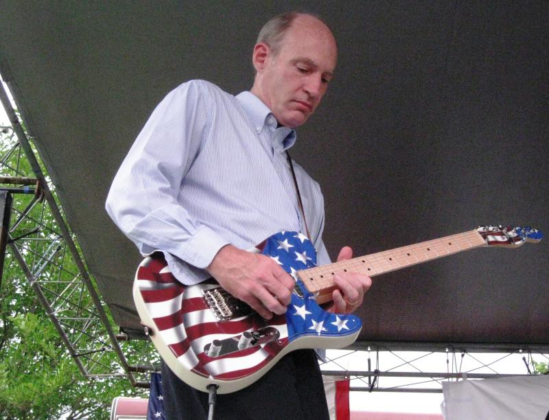 Republican Congressman Thaddeus McCotter jams with his blues band after announcing he's running for President.