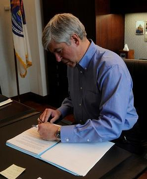 Gov. Rick Snyder supports a publicly owned bridge connecting Detroit and Windsor