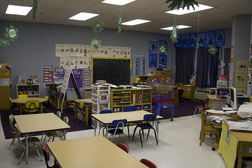 Governor Rick Snyder (R-MI) is set to sign new teacher tenure rules into law this afternoon