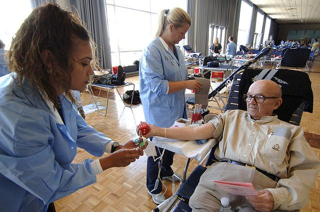 Retired U.S. Army Capt. George H. Froemke donates blood during a blood drive held in Colorado in 2007.