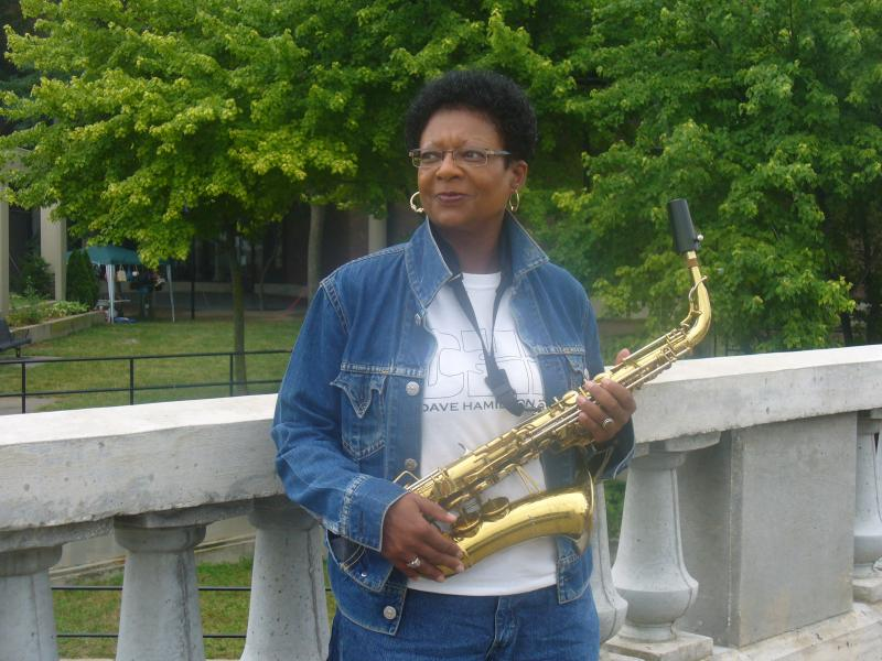 Sabrina LaMarr, saxophonist