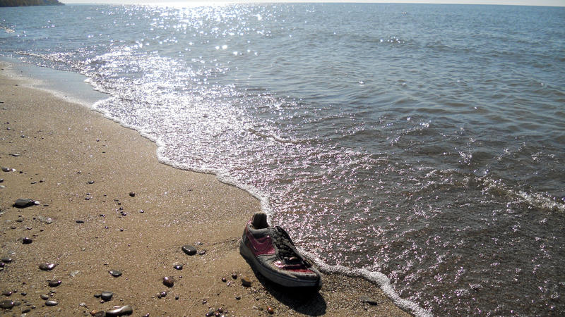 A beach on Ashtabula Harbor along Lake Erie. The Ohio Supreme Court has affirmed the public's right to stroll along the beaches.
