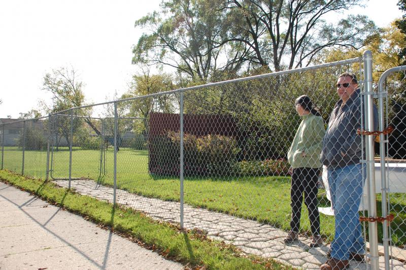 """Blotters"" are turning Detroit's empty spaces into family compounds."