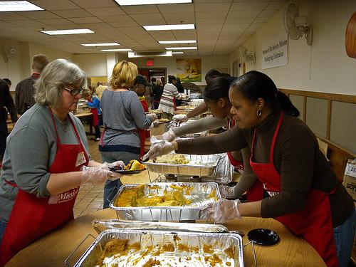 Thanksgiving day volunteers in NYC