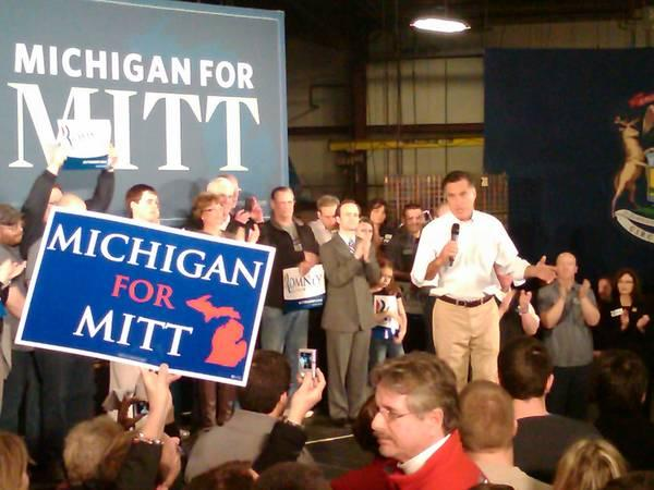 Fmr. Massachusetts governor Mitt Romney talks to supporters in Albion