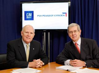 GM CEO Dan Akerson and PSA Peugeot Citroen Chairman of the Managing Board Phillipe Varin