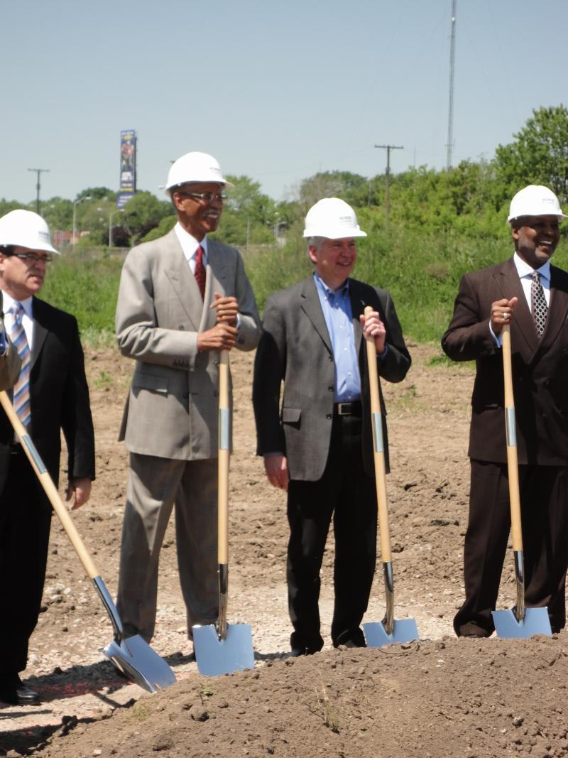 Dave Bing and Rick Snyder at a groundbreaking in Detroit.