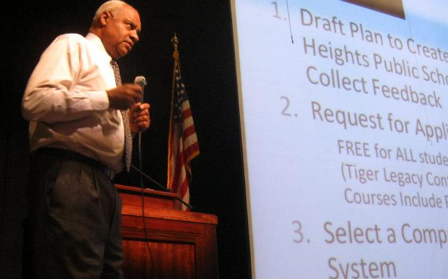 Emergency financial manager Don Weatherspoon speaks to parents at a public forum in May 2012.