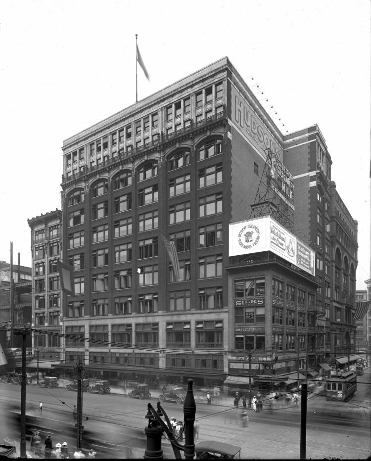Hudson's circa 1915.