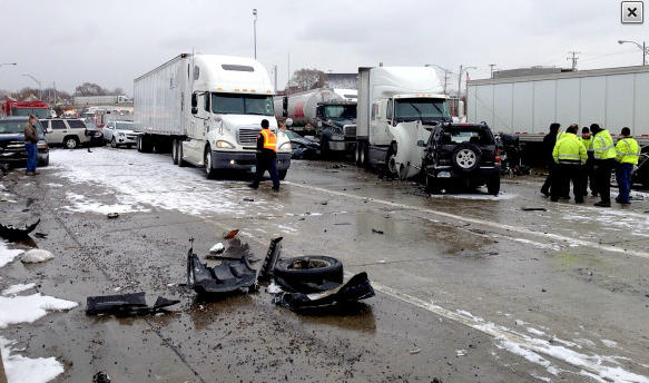 The Detroit News tweeted this picture of the I-75 crash.