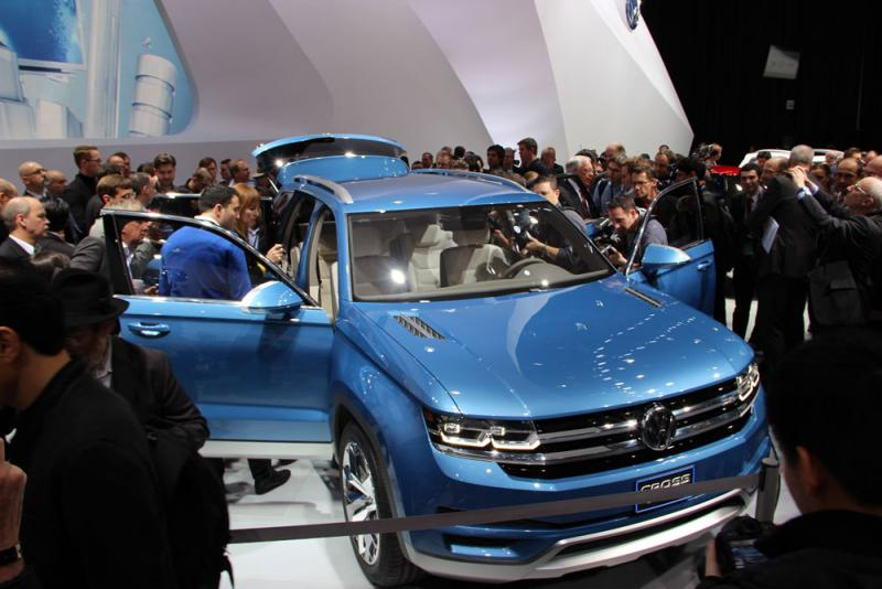 The Volkswagen CrossBlue concept SUV