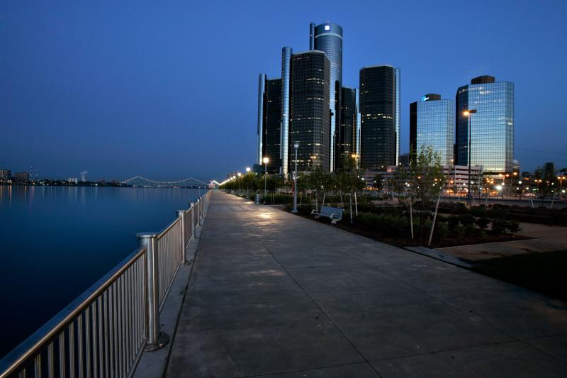 GM is encouraging its employees to turn off the lights at the RenCen.