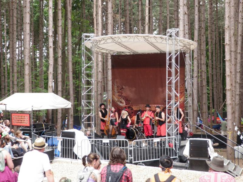 Rosin Coven perform in the Sherwood Forest