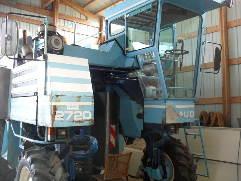 The grape harvester at Chateau Chantal harvest 40 times faster than human hands