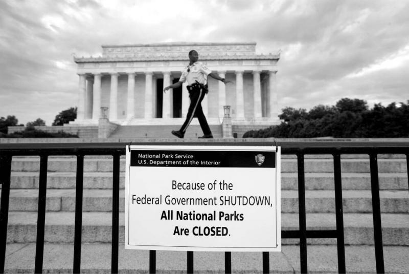 The Lincoln Memorial along with all other National Parks and Monuments are closed.