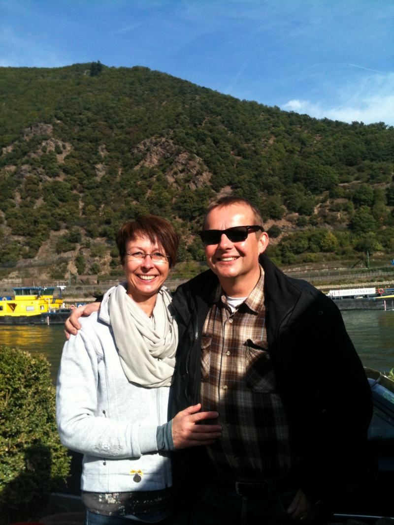 Dagmar Soulte and Heiko Seule, caravaning by the Rhine