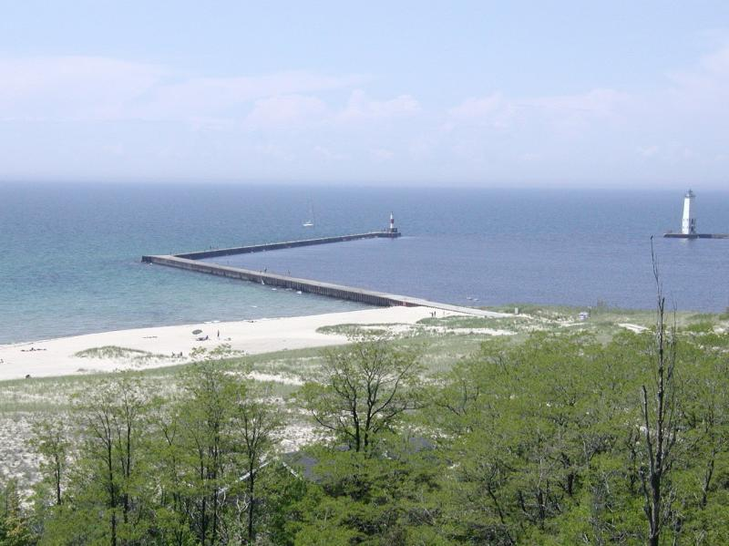 A view of Lake Michigan near Frankfort, Michigan (file photo)