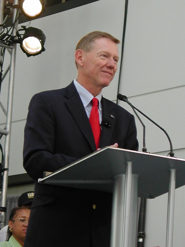 Ford CEO Alan Mulally (file photo)