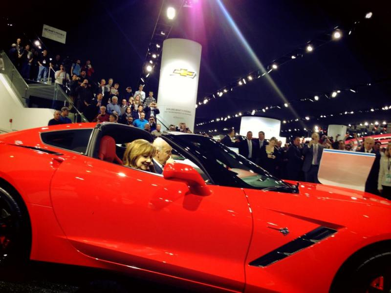 Biden checks out the new Corvette at the 2014 NAIAS.