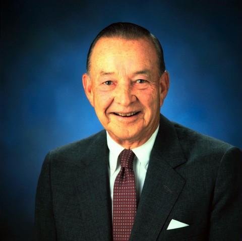 William Clay Ford dies at the age of 88.