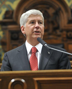 Rick Snyder wants the U.S., not Canada, to pay for the Ambassador Bridge's customs plaza.