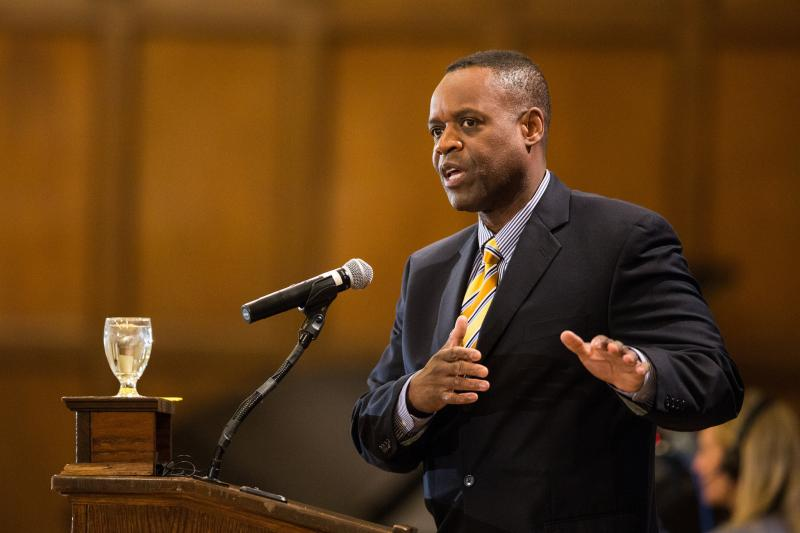 Detroit Emergency Manager Kevyn Orr speaking at the University of Michigan.